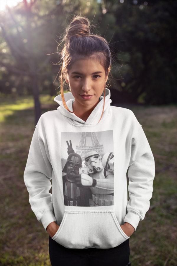 """Image de sweat à capuche blanc pour femme """"Selfie à Paris - Star Wars"""" - MCL Sérigraphie"""