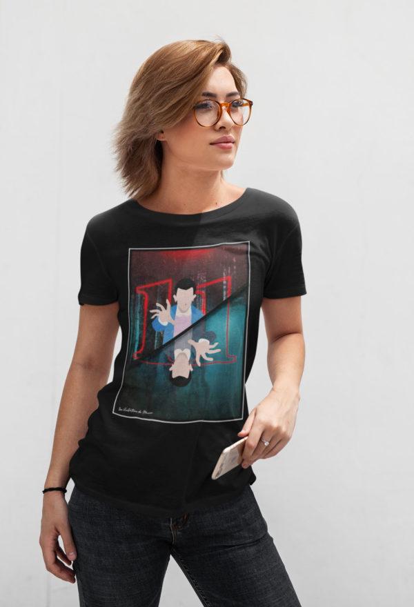 """Image de t-shirt noir pour femme """"Stranger Things"""" - MCL Sérigraphie"""