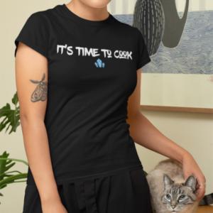 """Image de t-shirt noir pour femme """"It's time to cook - Breaking Bad""""- MCL Sérigraphie"""