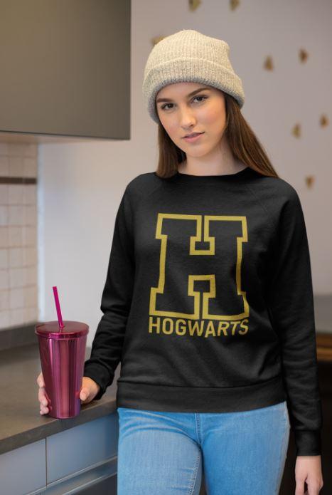 """Image de sweatshirt noir pour femme """"Hogwarts - Harry Potter"""" - MCL Sérigraphie"""