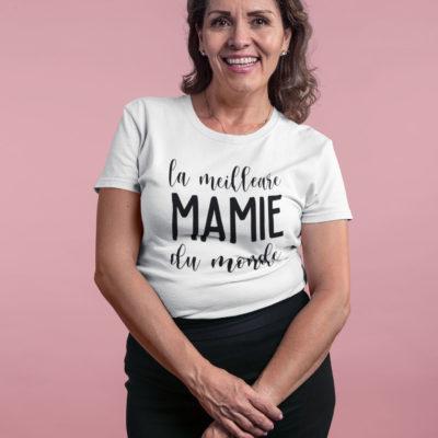 """Image du t-shirt blanc pour femme """"La meilleure mamie du monde"""" - MCL Sérigraphie"""