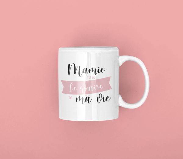 "Image de mug ""Mamie, tu es le sourire de ma vie"" - MCL Sérigraphie"