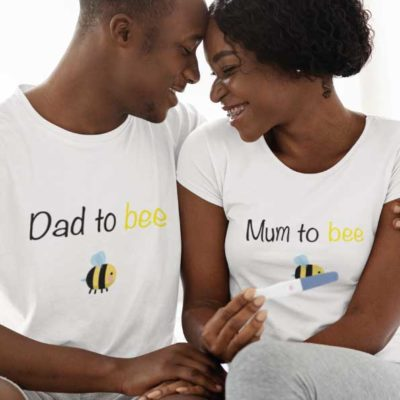 """Image de t-shirts duo blanc """"Mum to bee/Dad to bee""""-MCL Sérigraphie"""