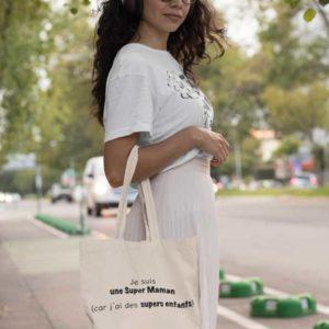 """Image de tote-bag """"Je suis une super maman (car j'ai des supers enfants)-MCL Sérigraphie"""