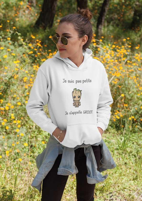 """Image de sweat à capuche blanc femme """"Je suis pas petite je s'appelle Groot""""-MCL Sérigraphie"""