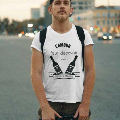 """Image de t-shirt blanc """"L'amour peut décevoir, l'apéro jamais""""-MCL Sérigraphie"""
